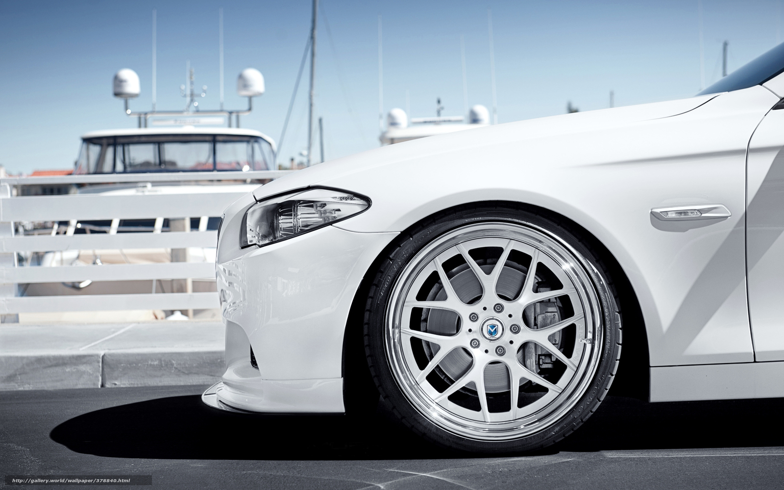 Download wallpaper BMW,  White,  bus,  disk free desktop wallpaper in the resolution 1680x1050 — picture №378840