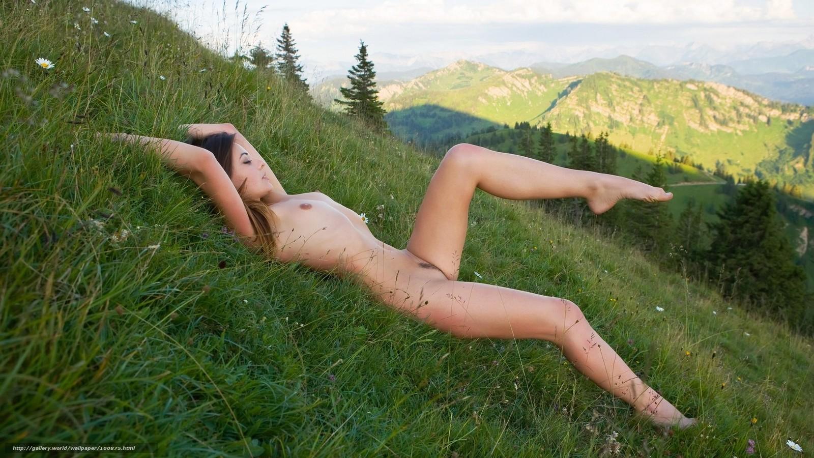 Смотреть девушка дает нюхать ноги 25 фотография