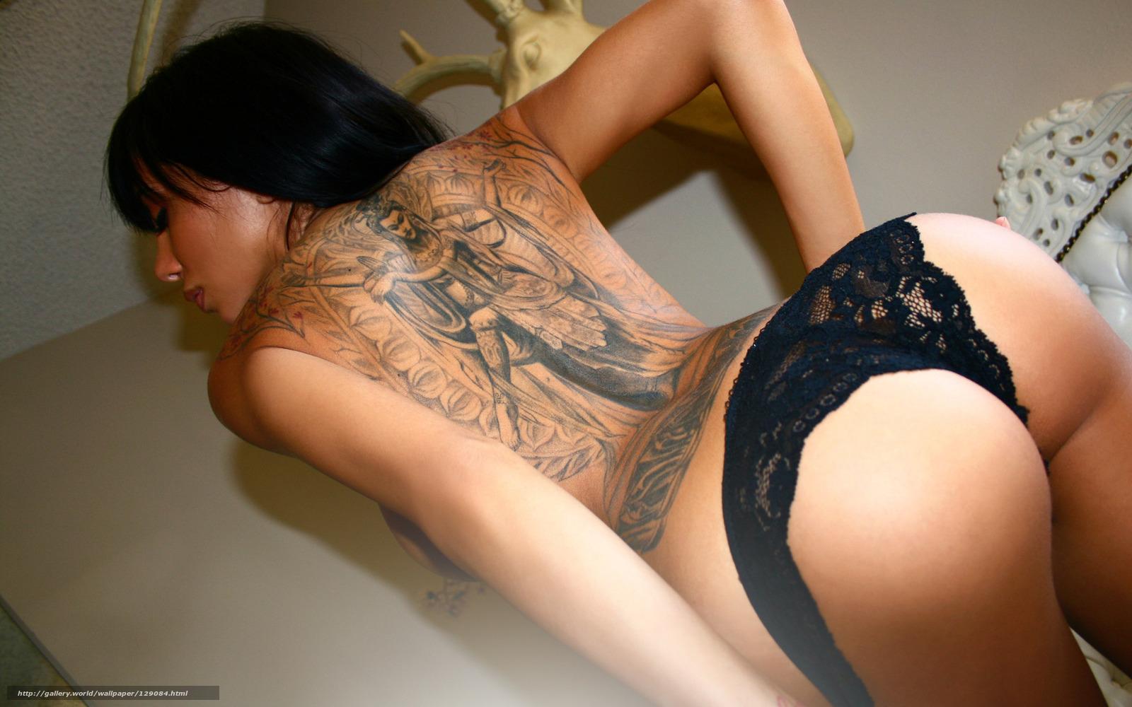 Фото татуировок на голых девушках 12 фотография