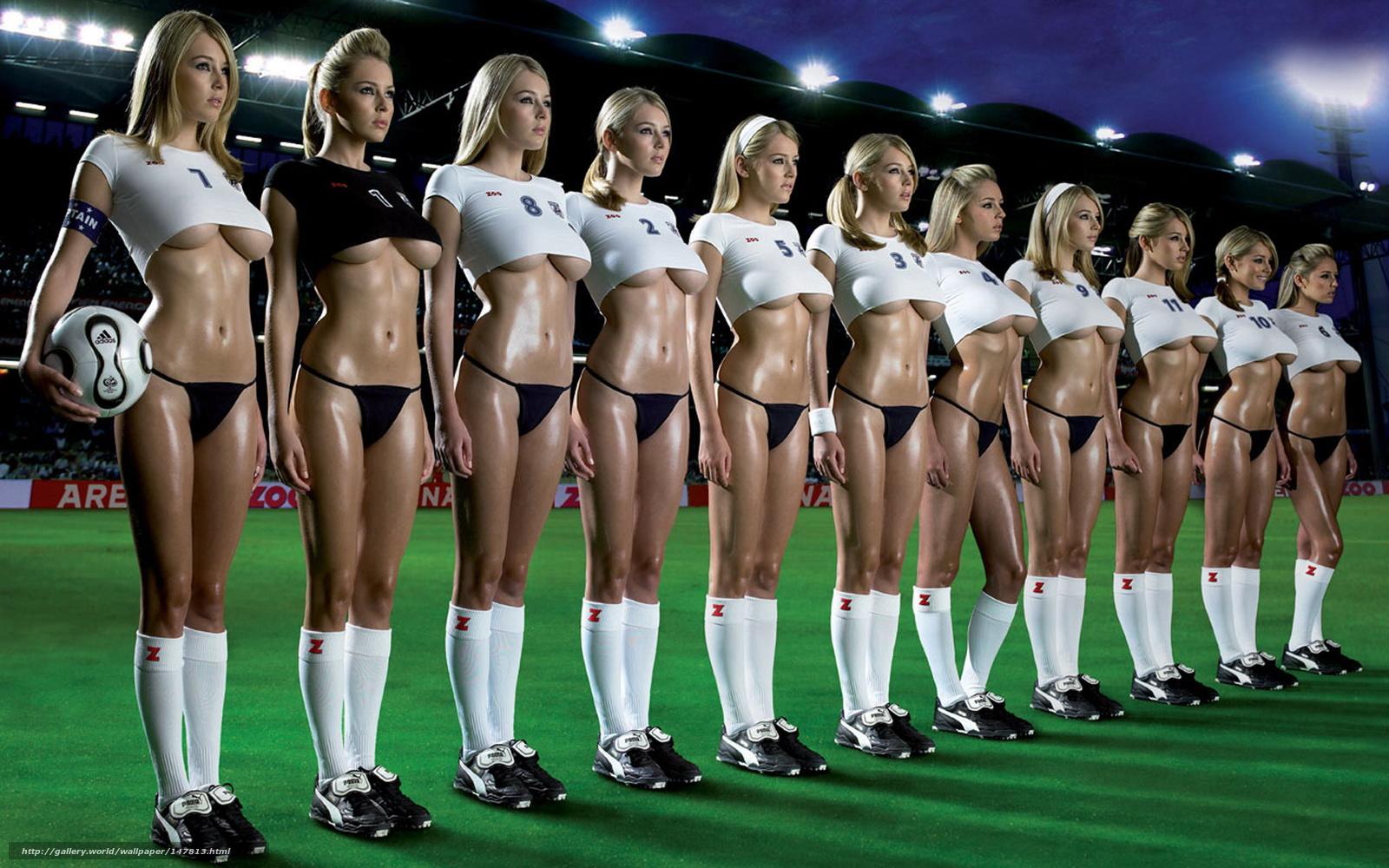Футбольная команда трахнула блондинку 30 фотография