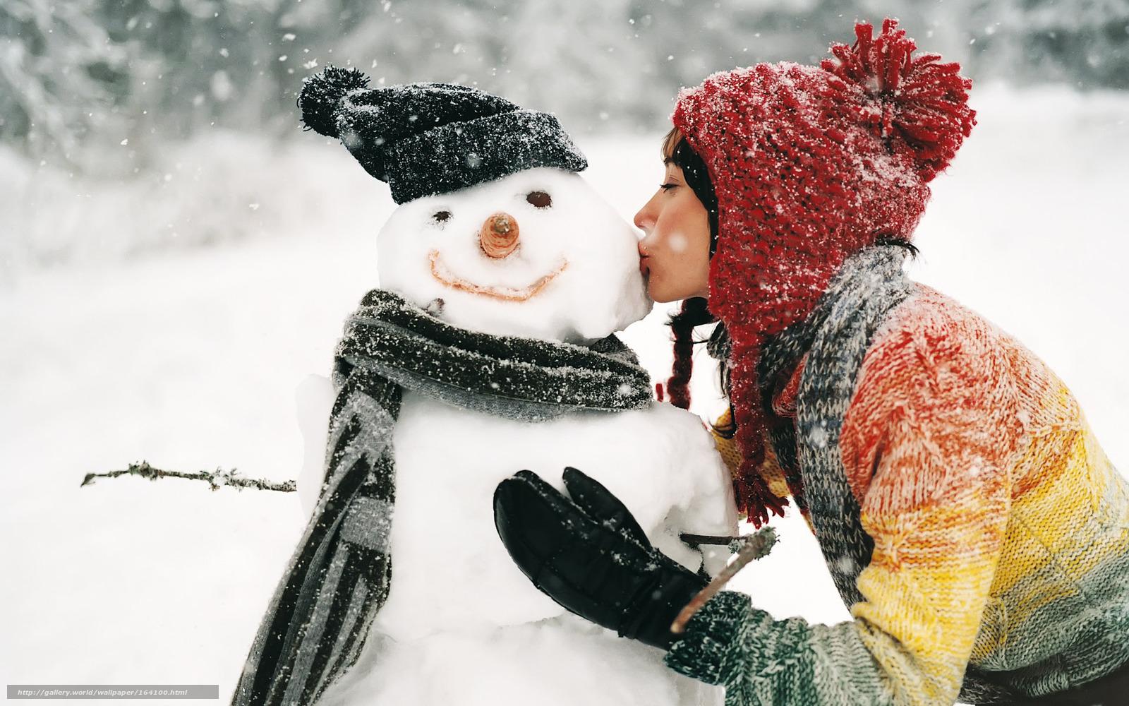 Русскую девушку раздели зимой на улице догола и унизили 5 фотография