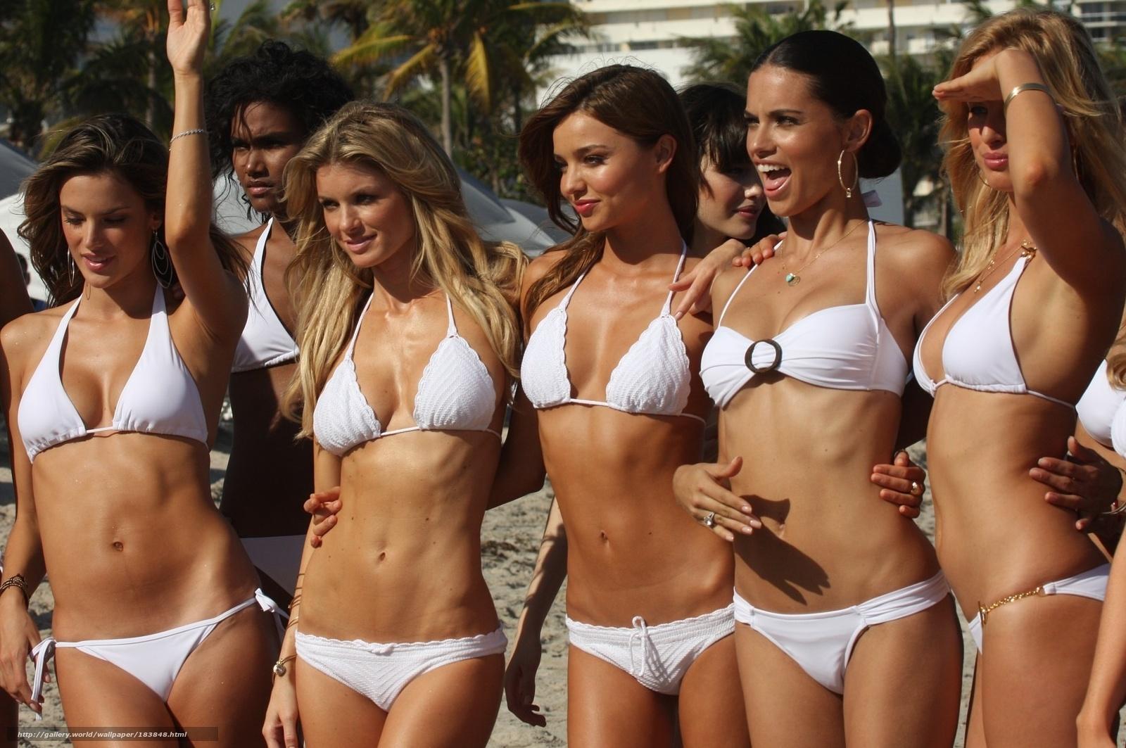 Фотки худеньких моделей 19 фотография