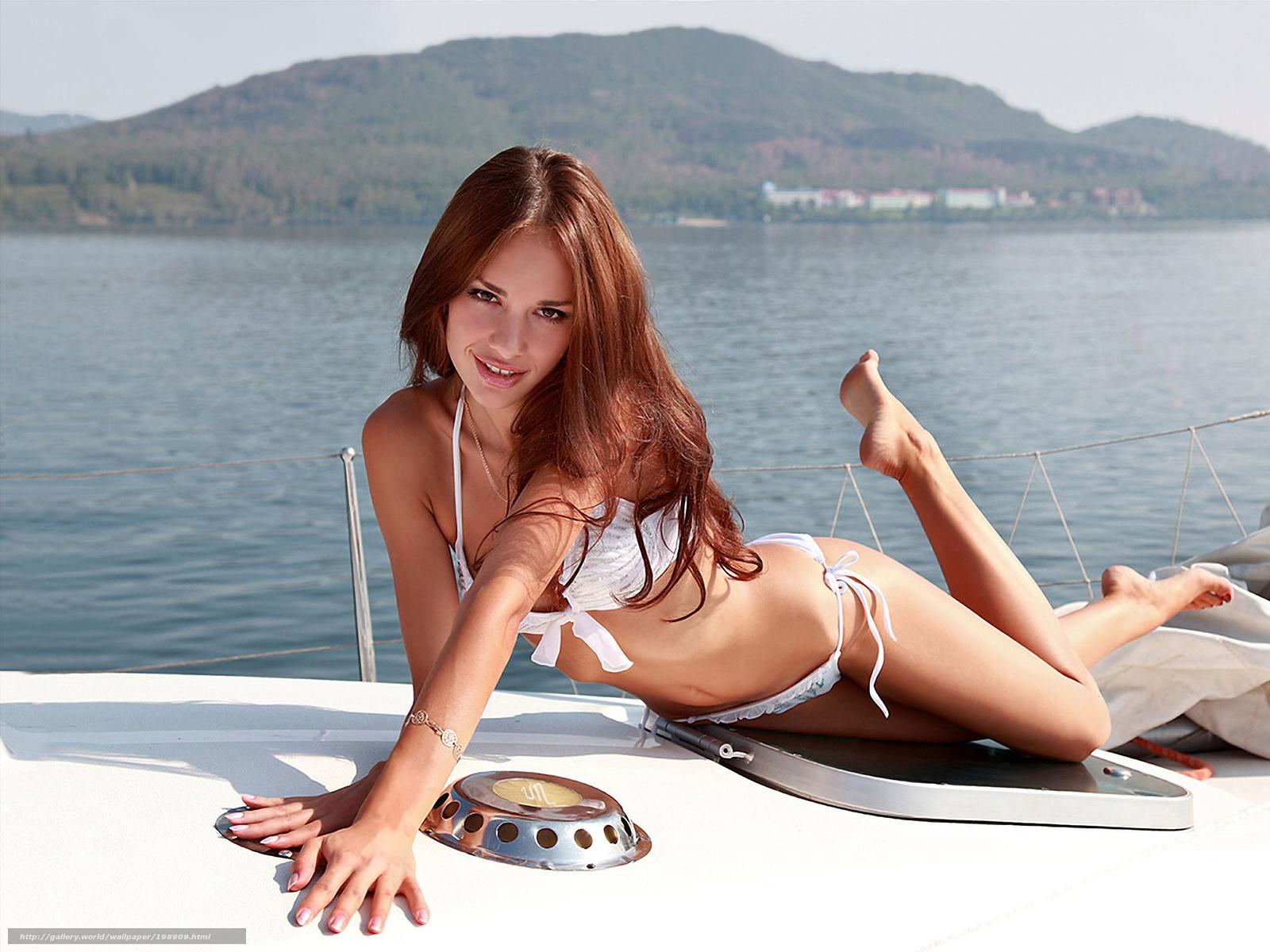 Смотреть девушки на яхте 3 фотография