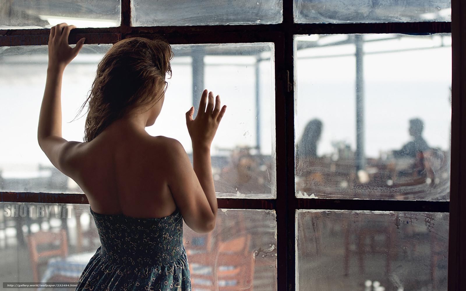 Снимает соседку через окно 10 фотография