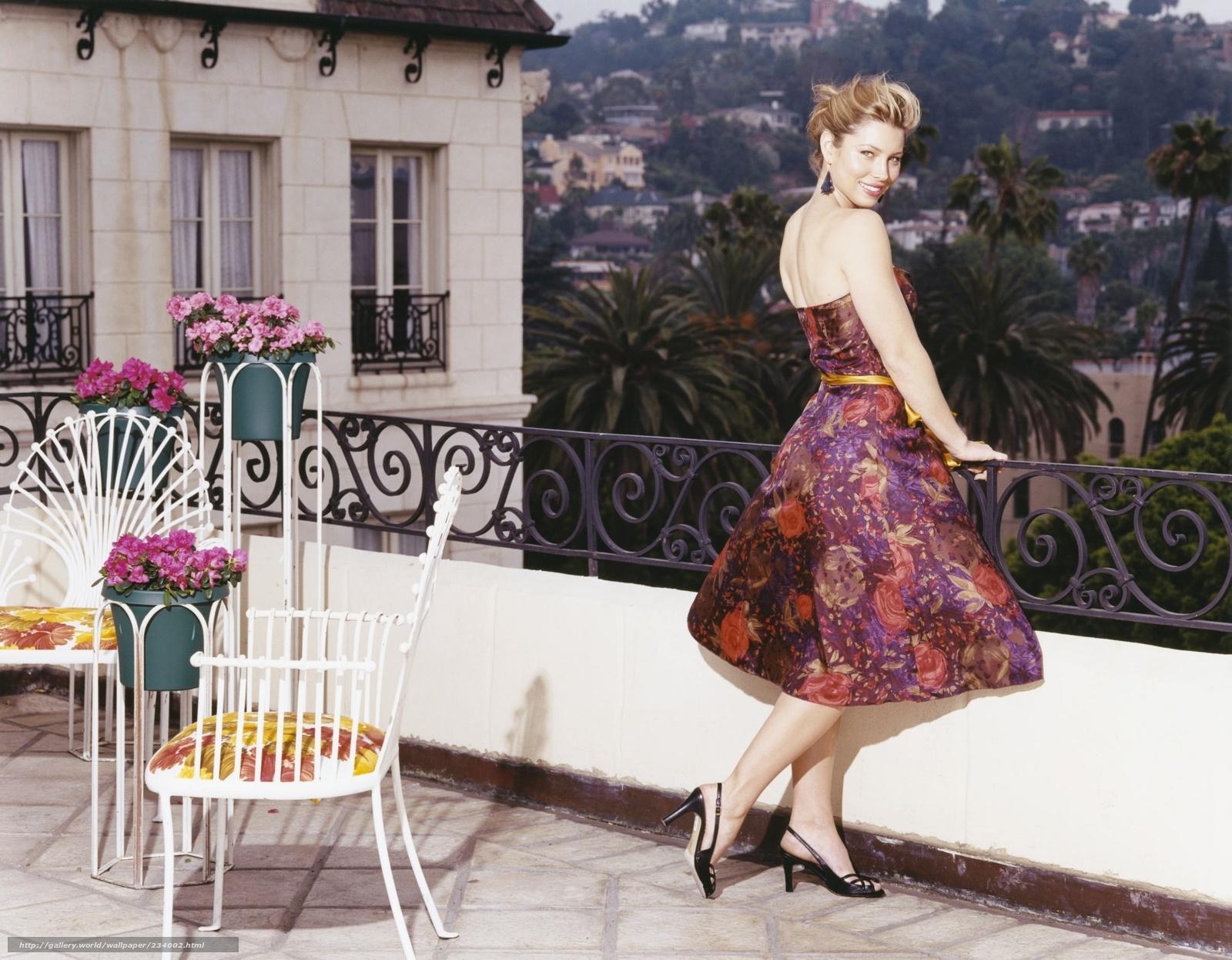 Фото девушек дома в платьях 8 фотография