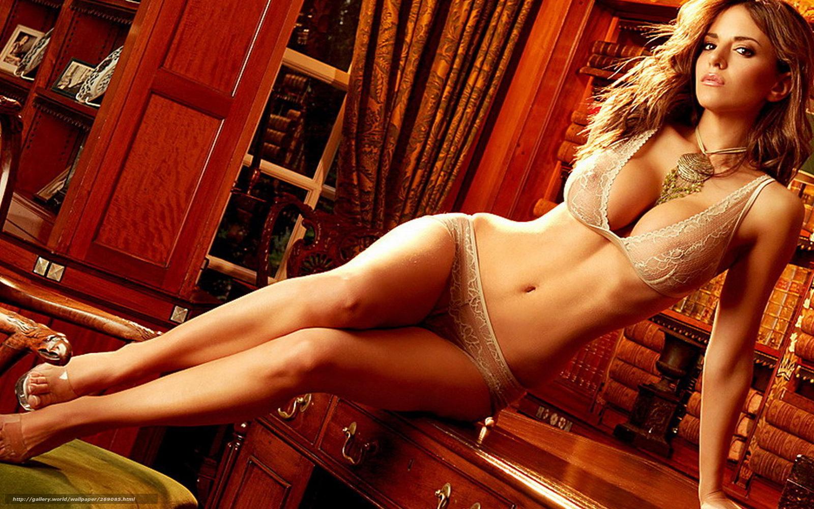 Супер сексуальная блондинка отдаётся 21 фотография