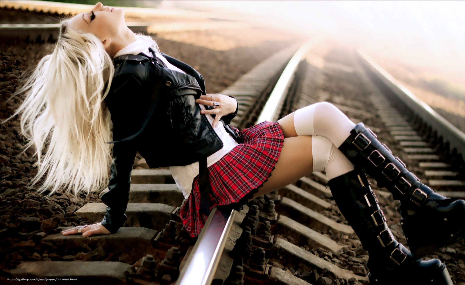 Смотреть фотографии девушки эмо блондинки 16 фотография