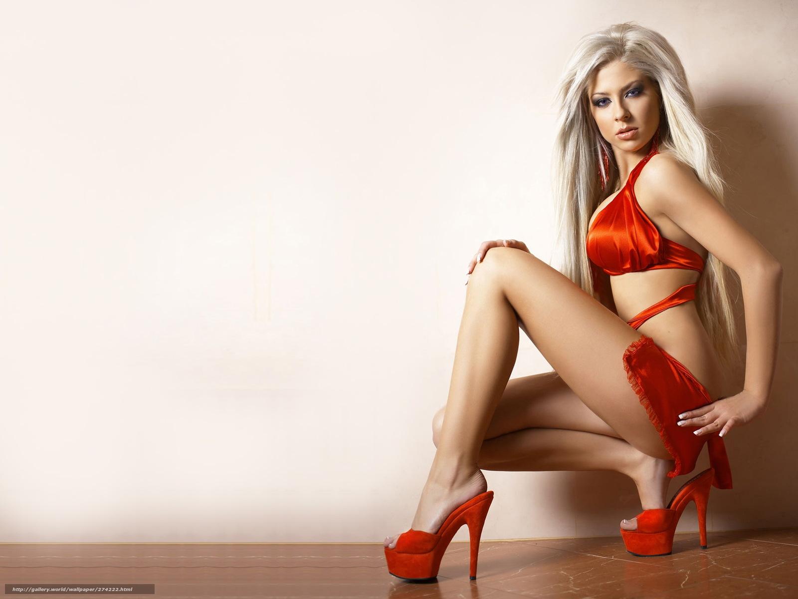 Секси девочки в красных 2 фотография