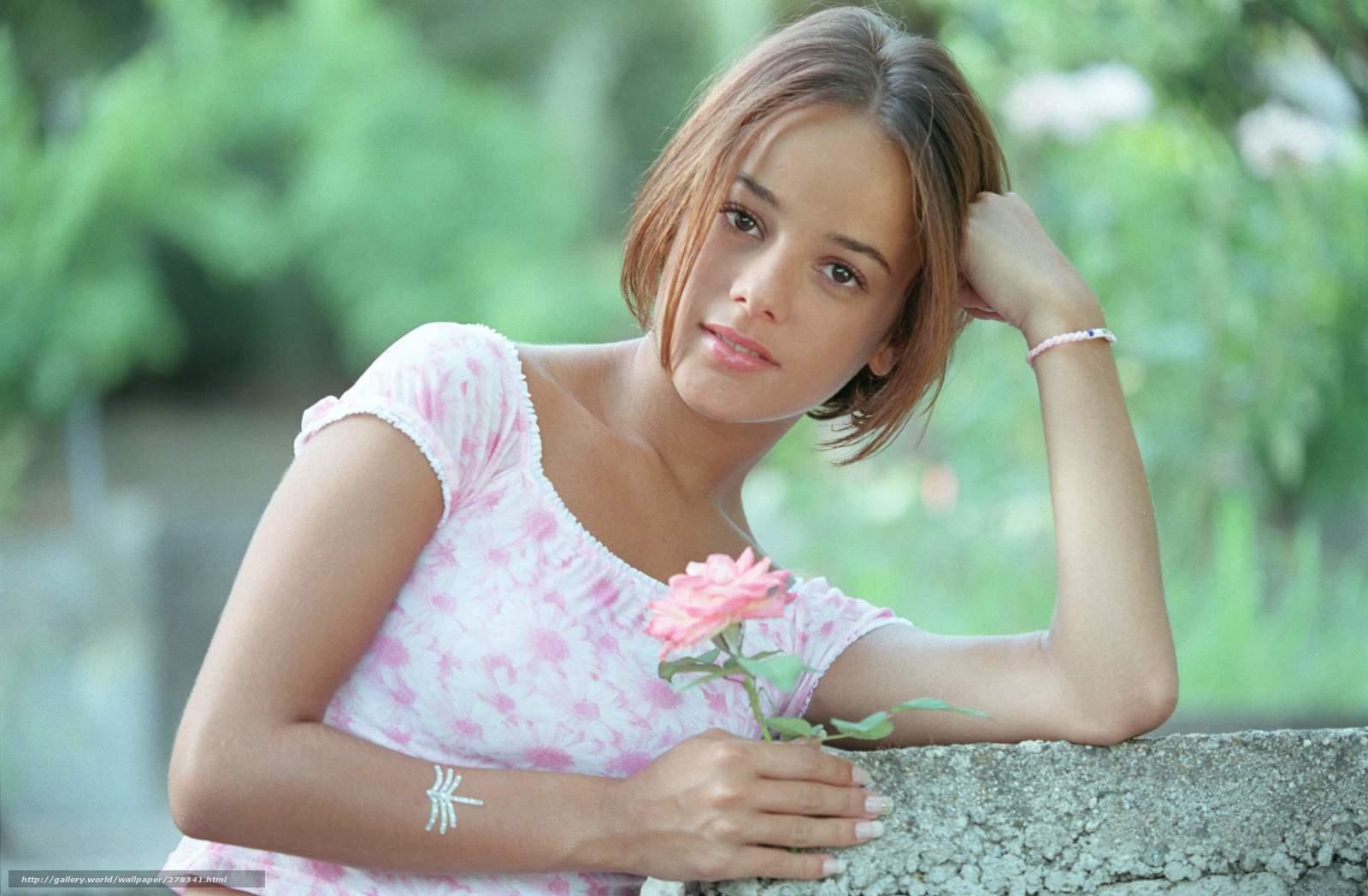 Русские молодые девочки голышом смотреть бесплатно 5 фотография