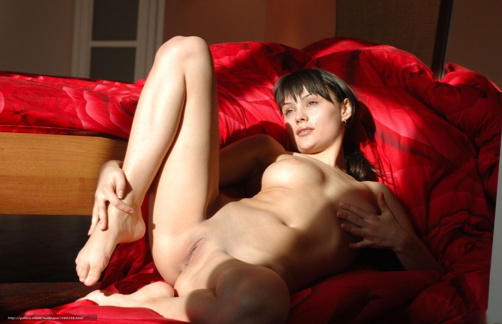 erotika-na-divane-video