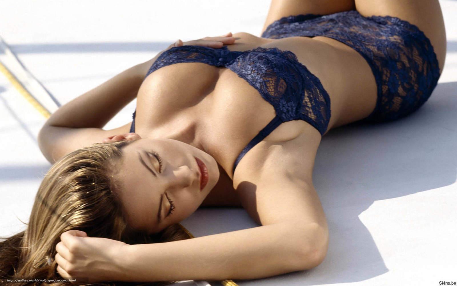 Фото женской груди с выступающими венами 12 фотография