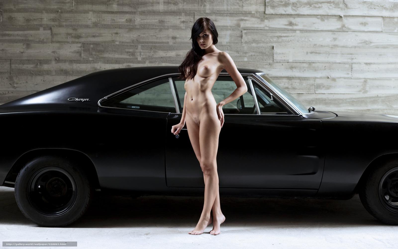 foto-golie-devushki-avto