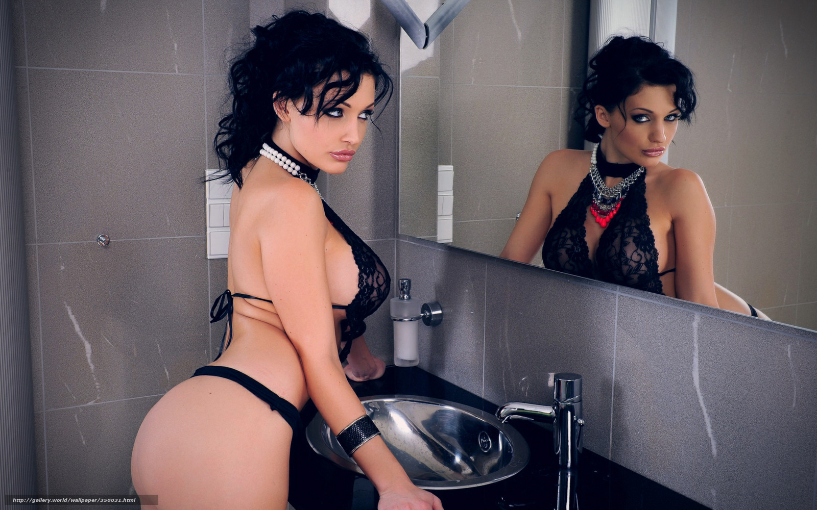 С телефоном в ванной 17 фотография