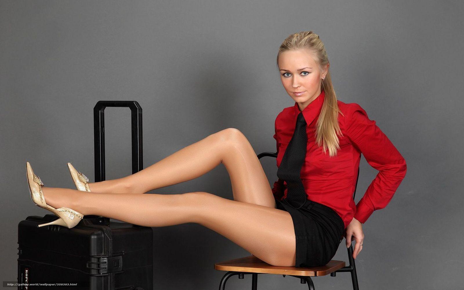 девушка, модель, блондинка, блузка ...: newsrbk.ru/wallpapers/full/358383-oboi-dlya-rabocheho-stola
