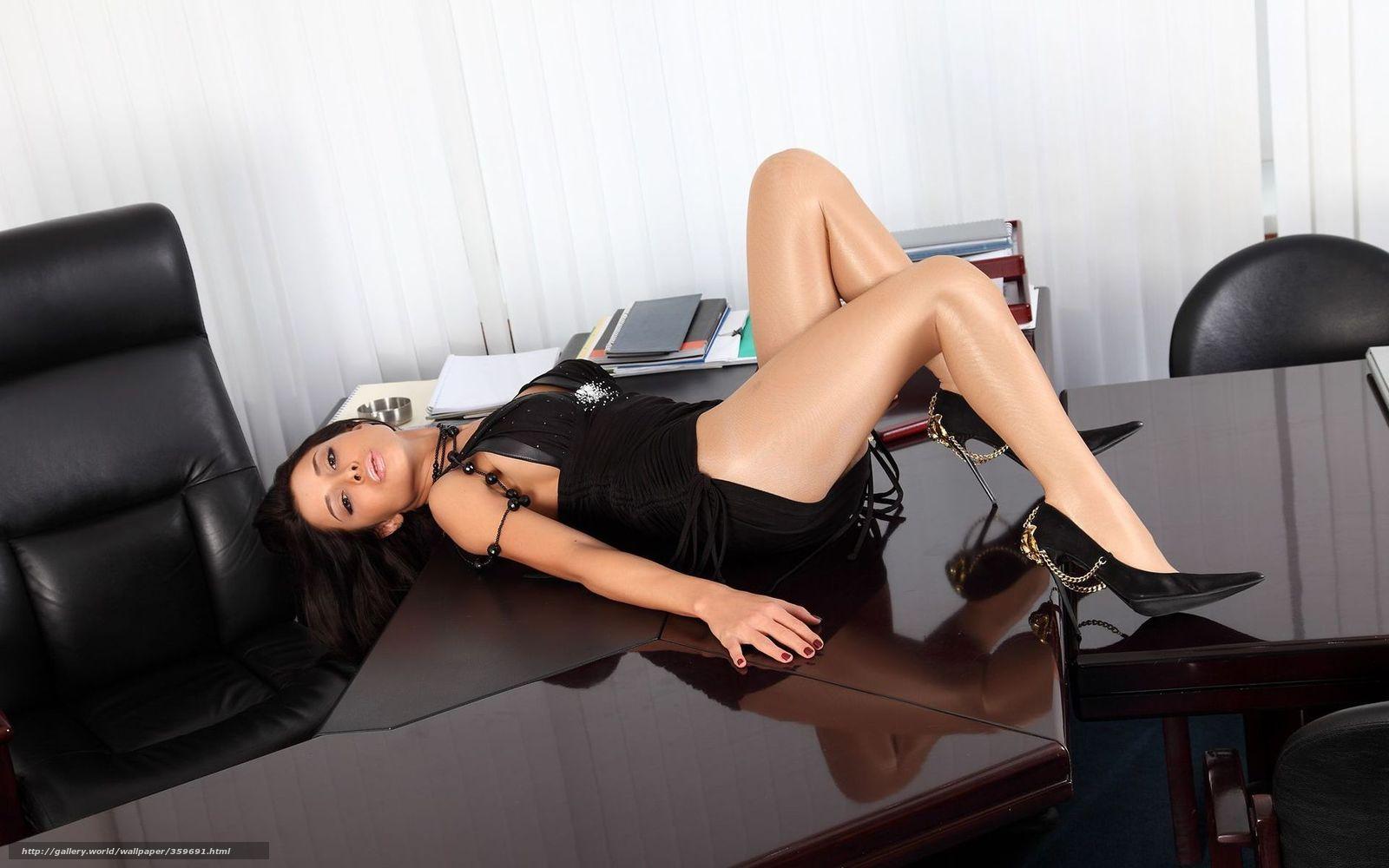 Порно видео девушки в туфлях
