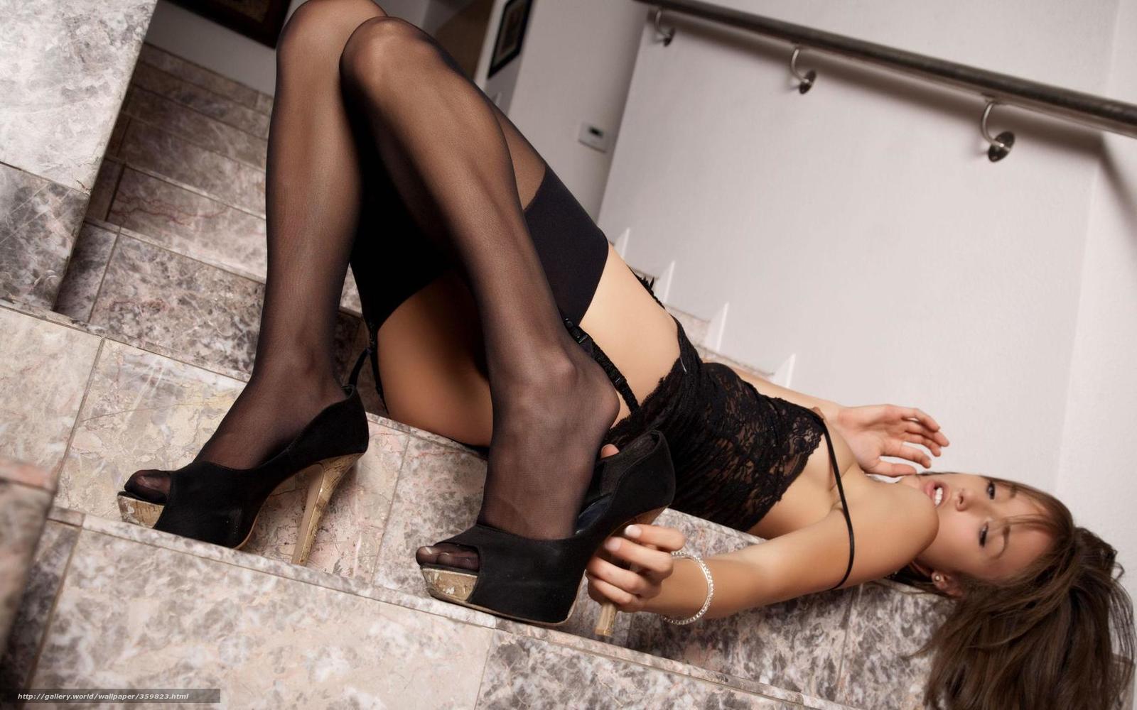 Проститутки в чулках на каблуках порно 25 фотография