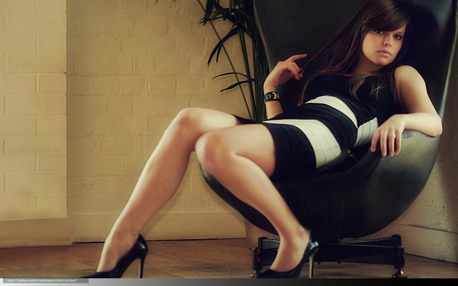 Фото ariel в кресле 21 фотография