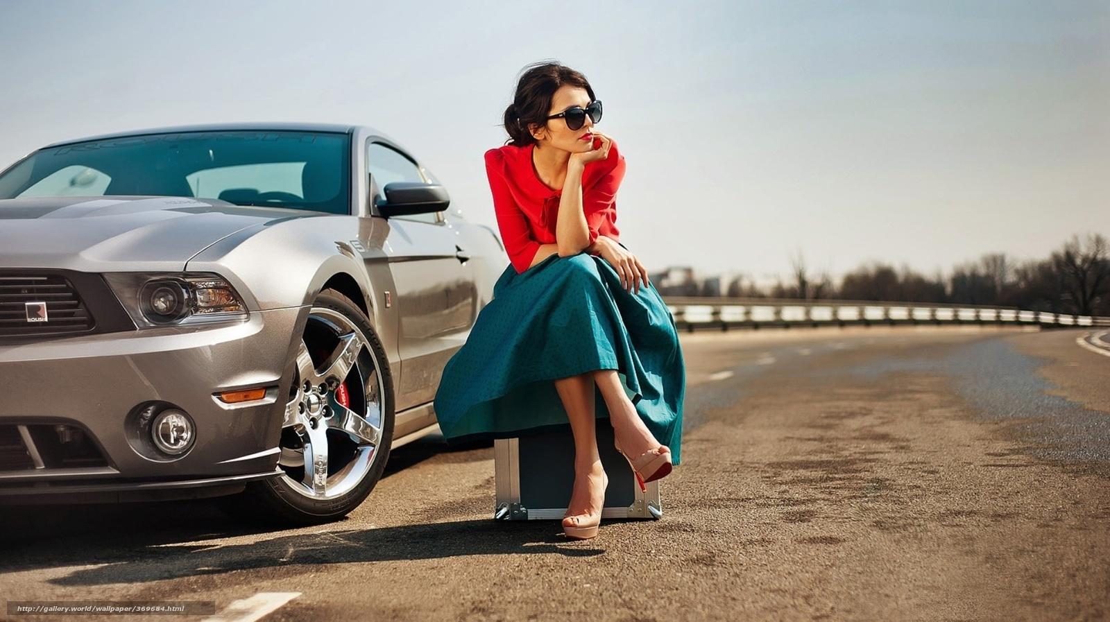Девушка на трассе фото с машиной