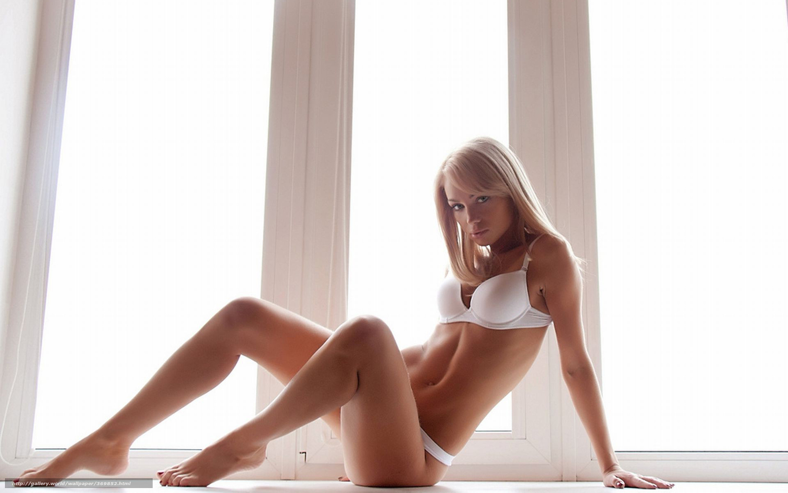 porno-video-onlayn-stroynie-blondinki