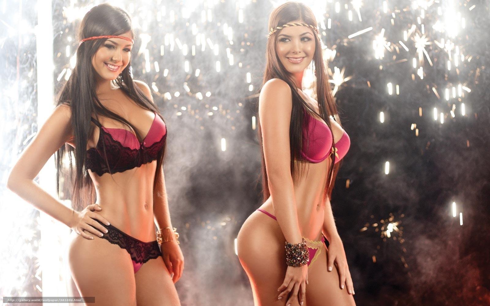 Фото голых девочек близняшек 28 фотография