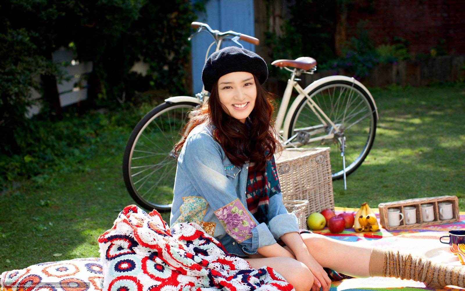 Японки и велосипед 8 фотография