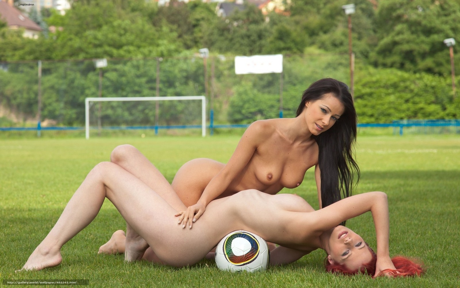 Сэкс на футбольным поле в россии 2 фотография