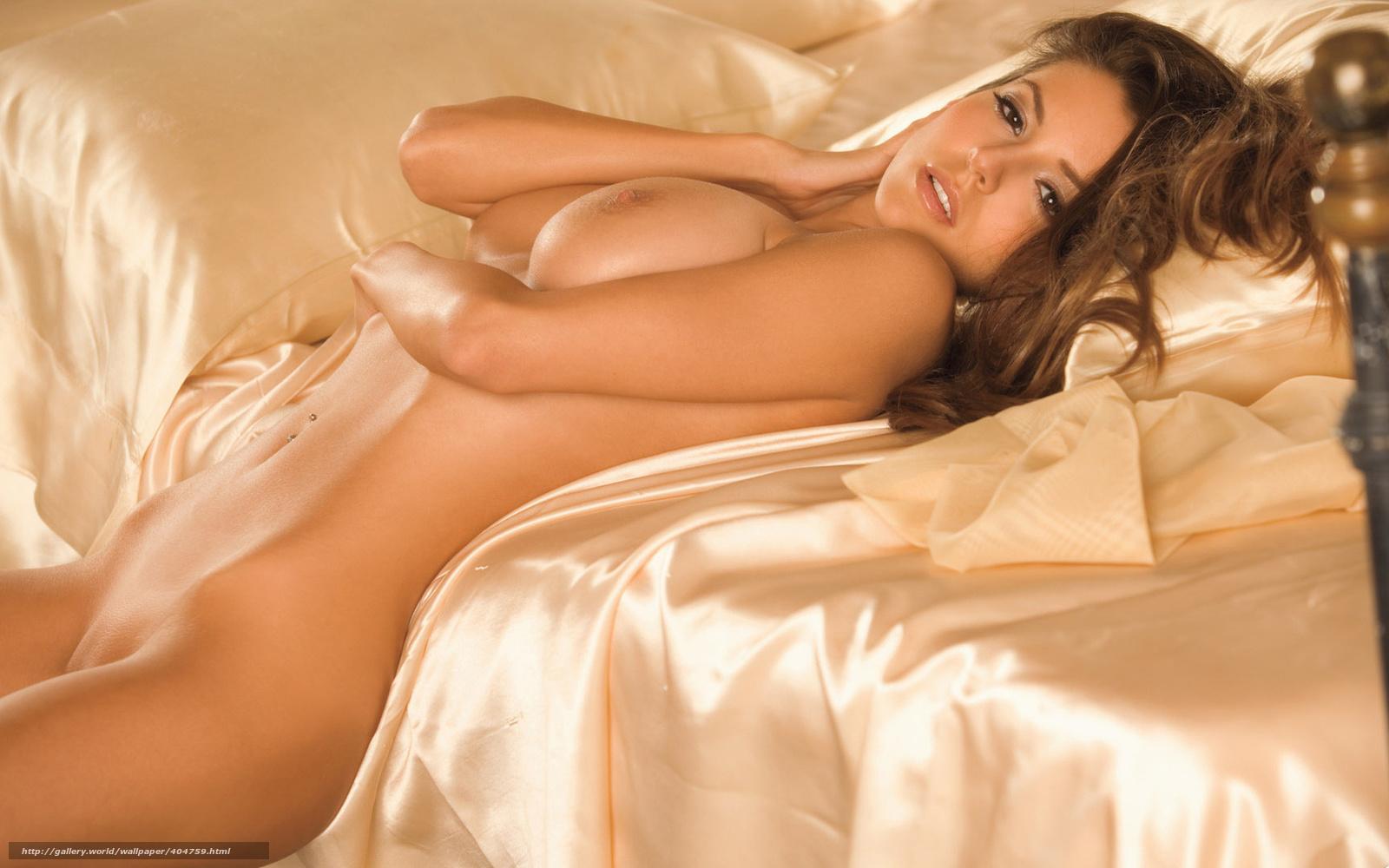 Фото голая девушка на кровате 10 фотография