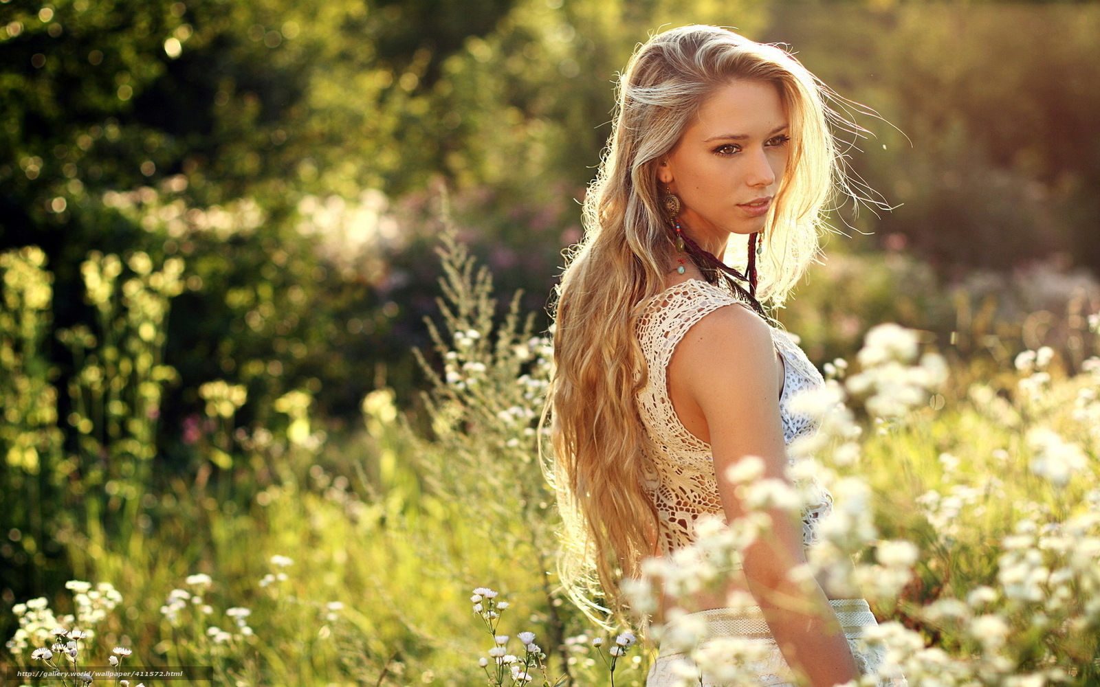 Девушки онлайн на природе 21 фотография