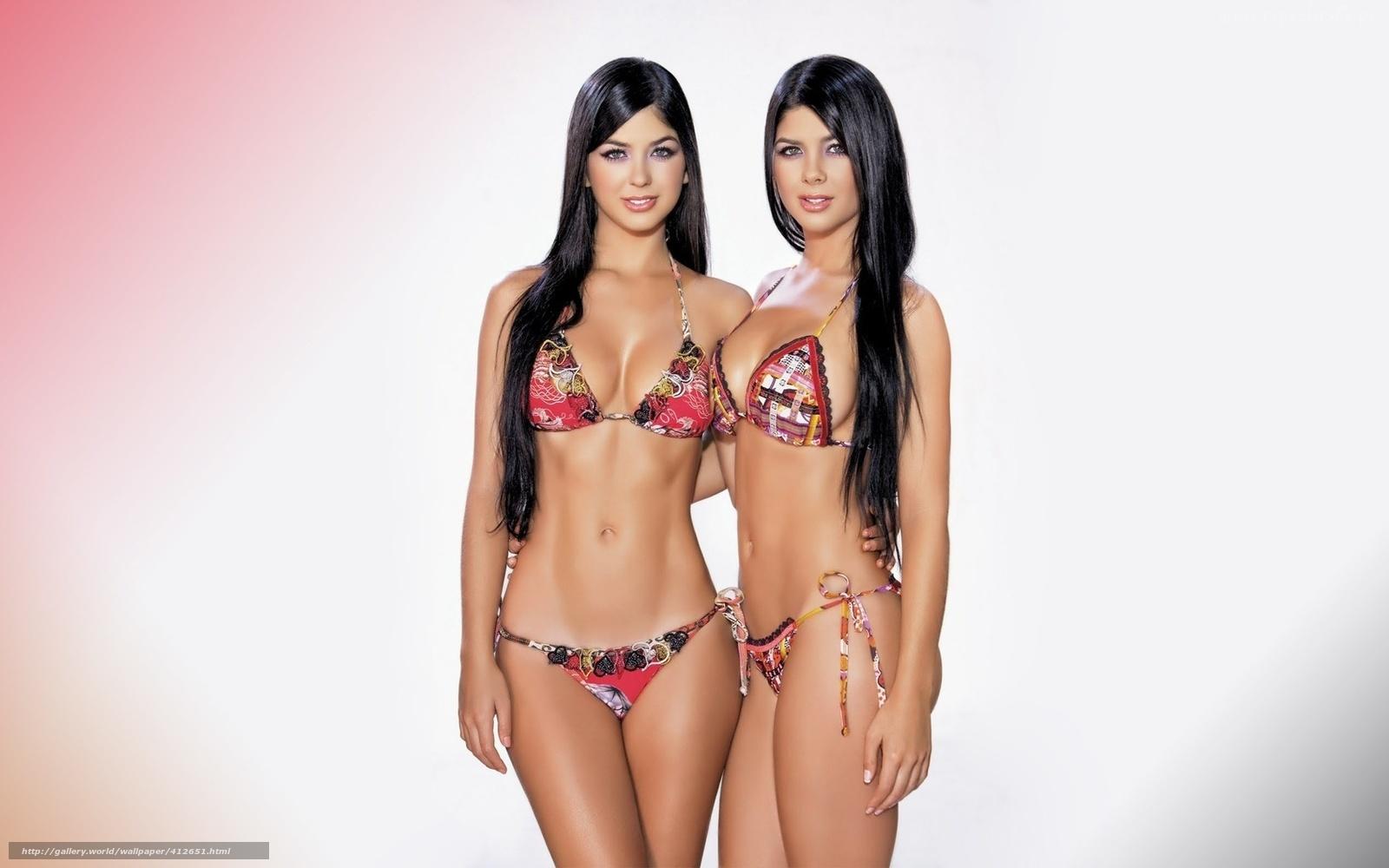 Фото голых девочек близняшек 19 фотография