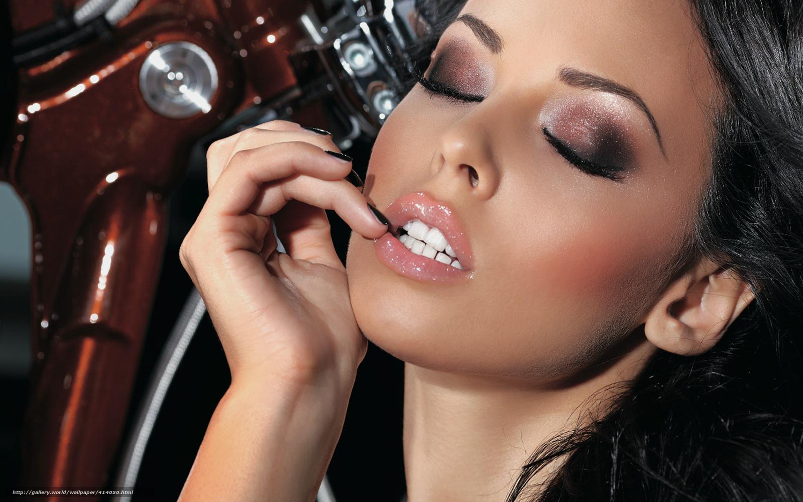 Фото девушка болшой губы красивые 24 фотография