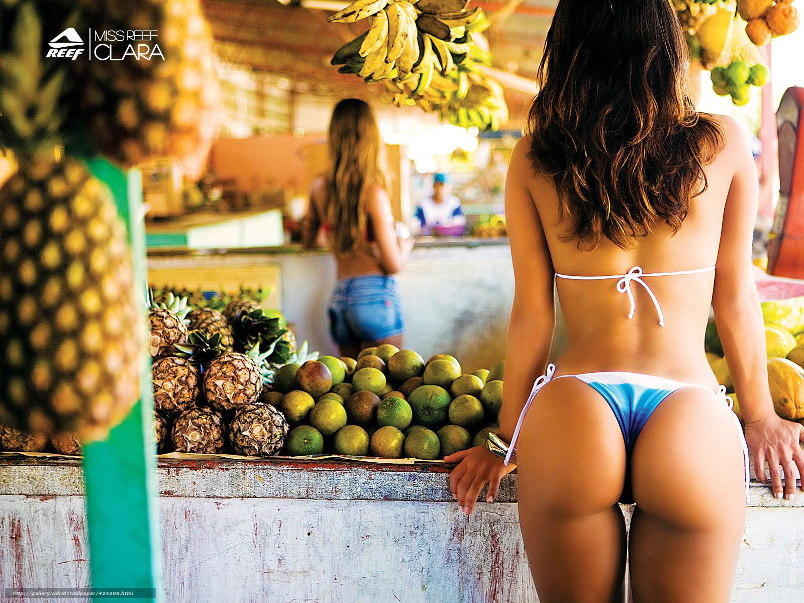 Фото девушки и бананы 24 фотография