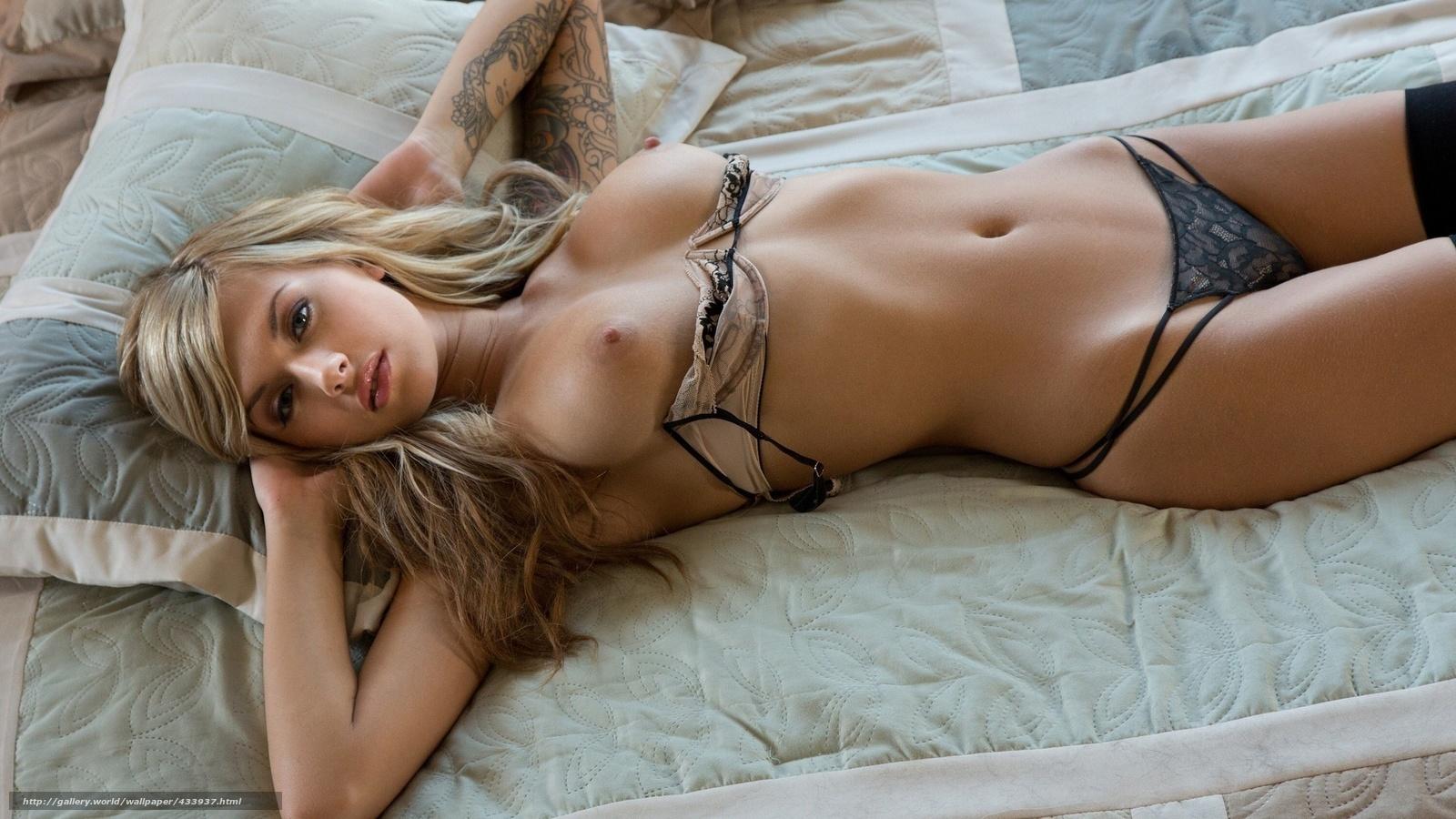 Сексуальная девка в трусиках 23 фотография