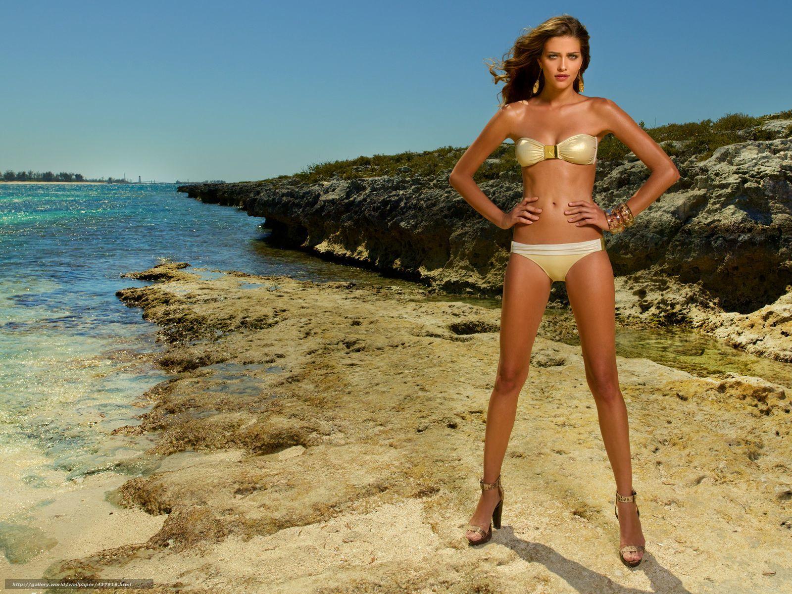 Фото женщин на берегу моря 23 фотография