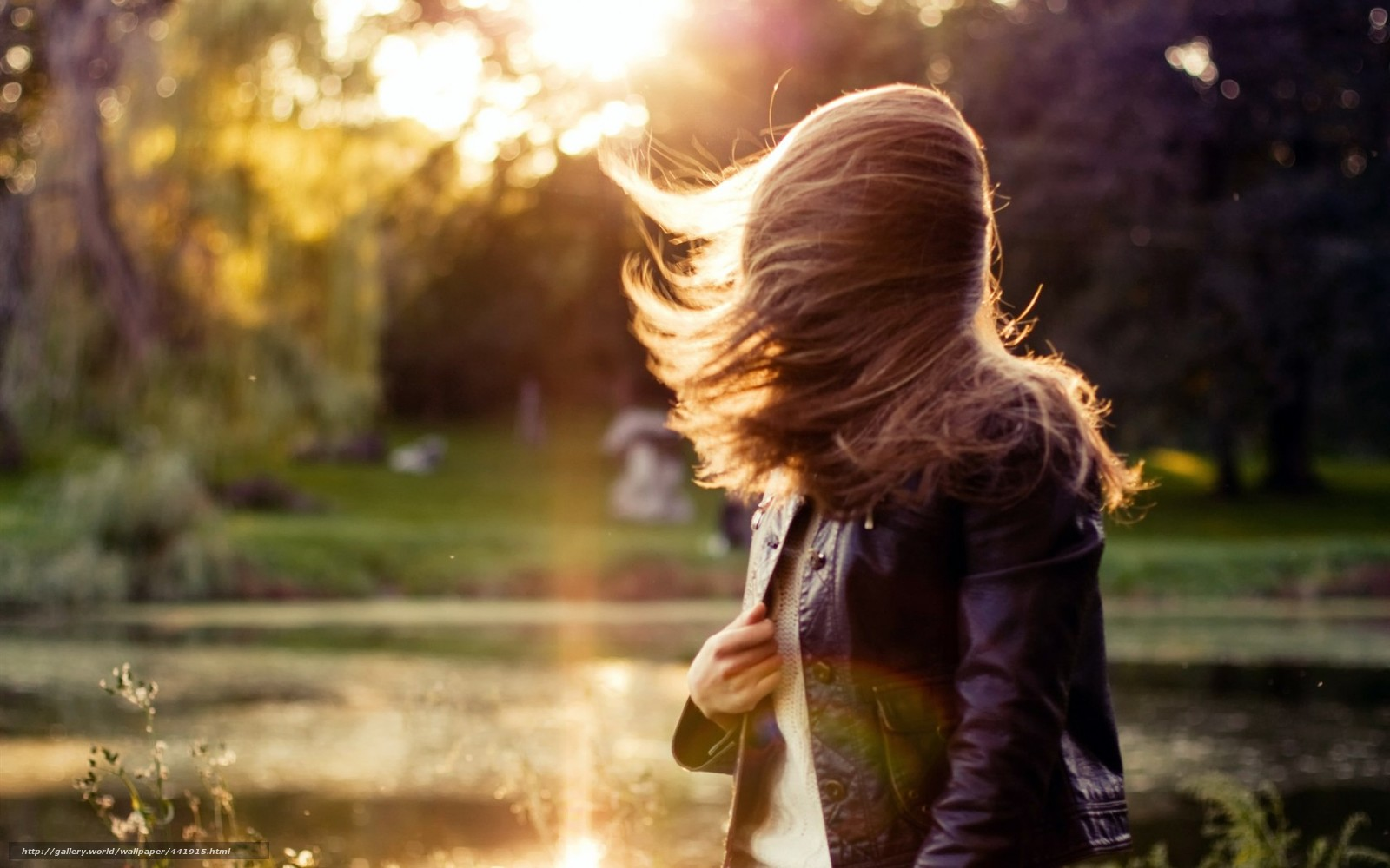 Фото шатенок девушек со спины 13 фотография