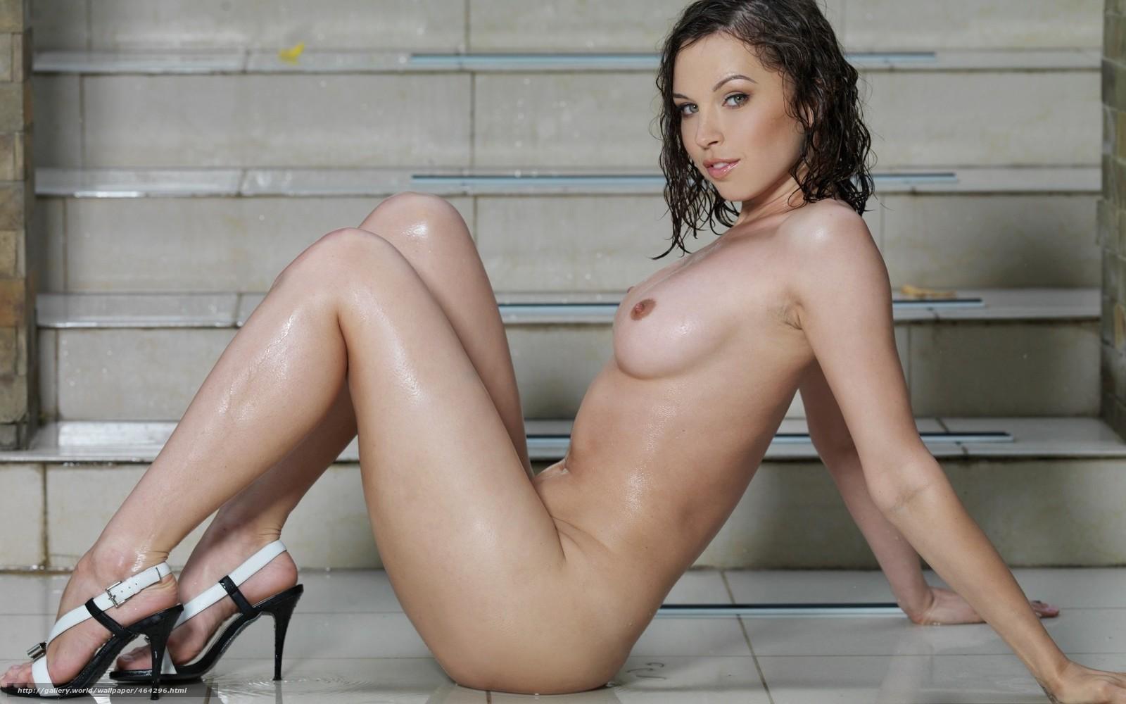 Брюнетка красивая на высоких каблуках эротика фото 155-155
