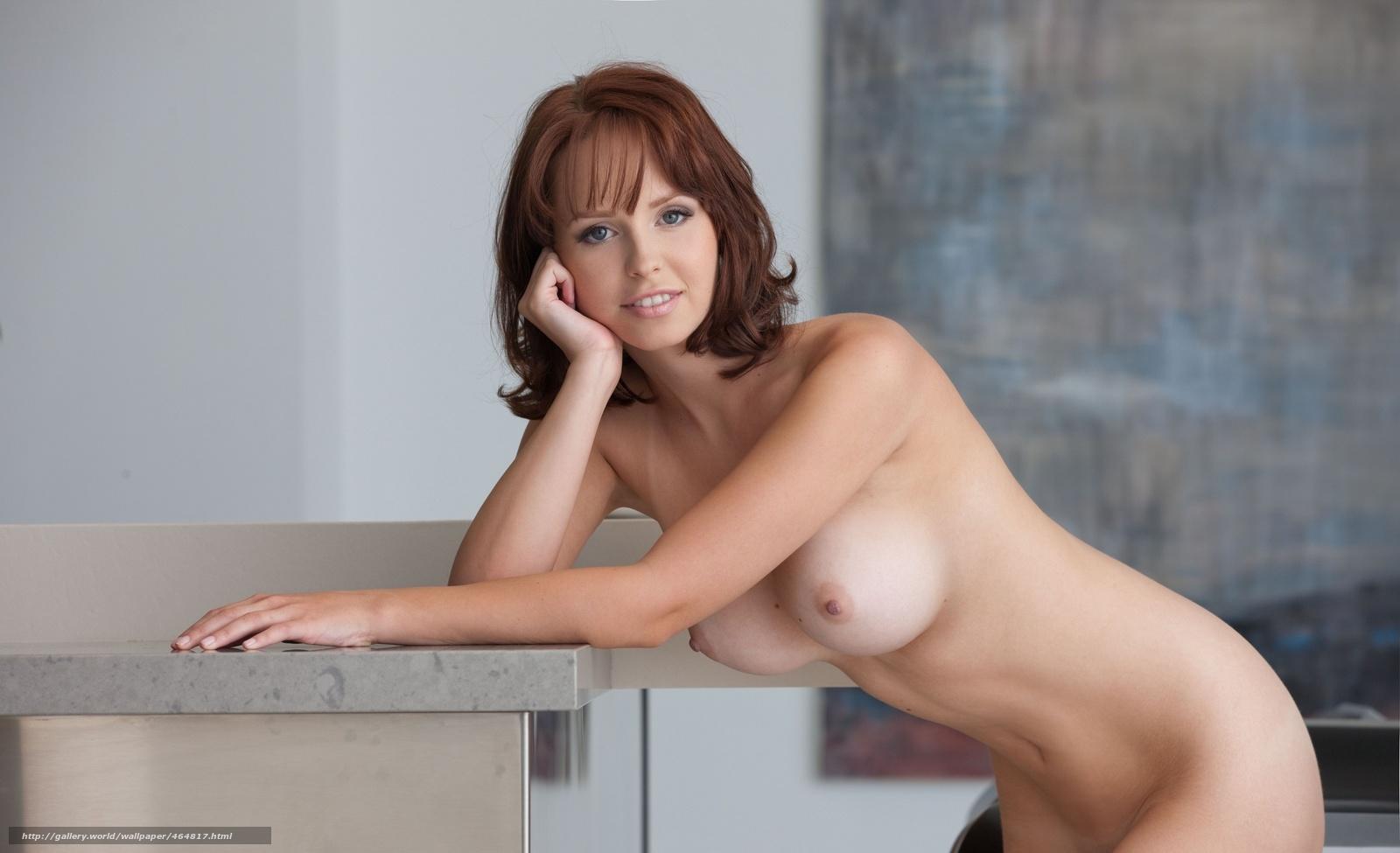 Фото голых девушки отжимается от пола 15 фотография