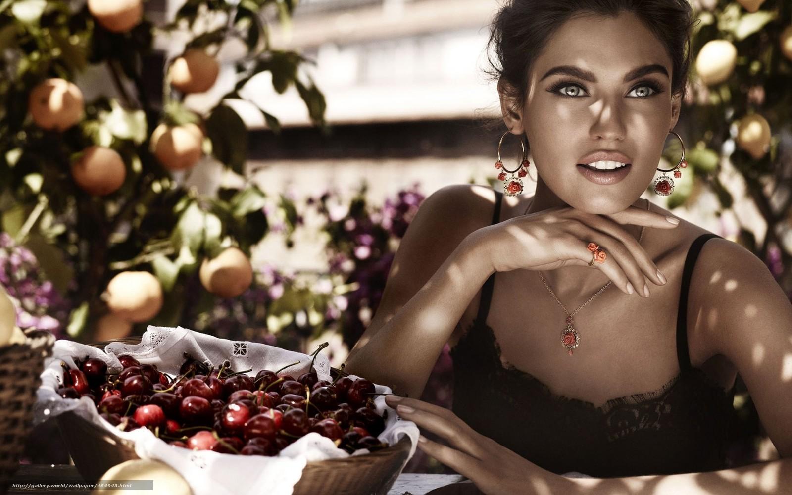 Фото женщины итальянки 19 фотография