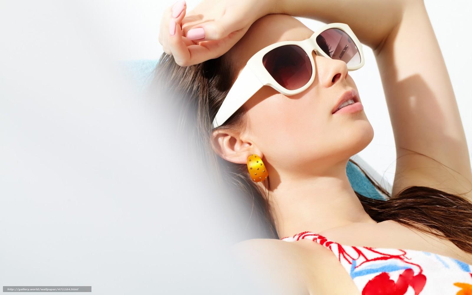 Фото с девушками в солнечных очках