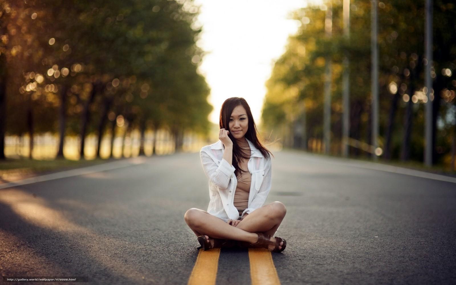 Сьемка девушки на улице 13 фотография