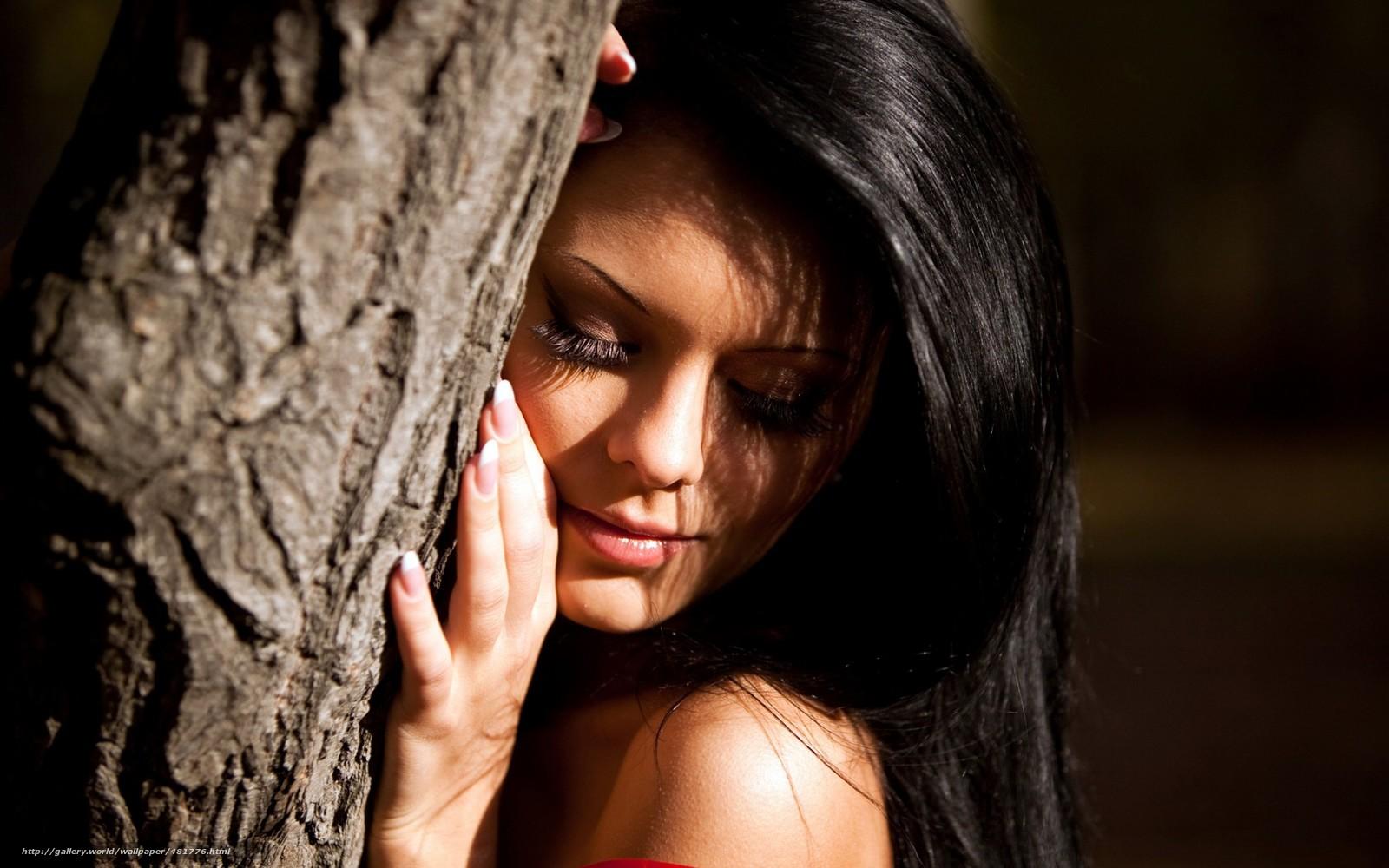 Фото красивых девушек брюнеток осенью 26 фотография