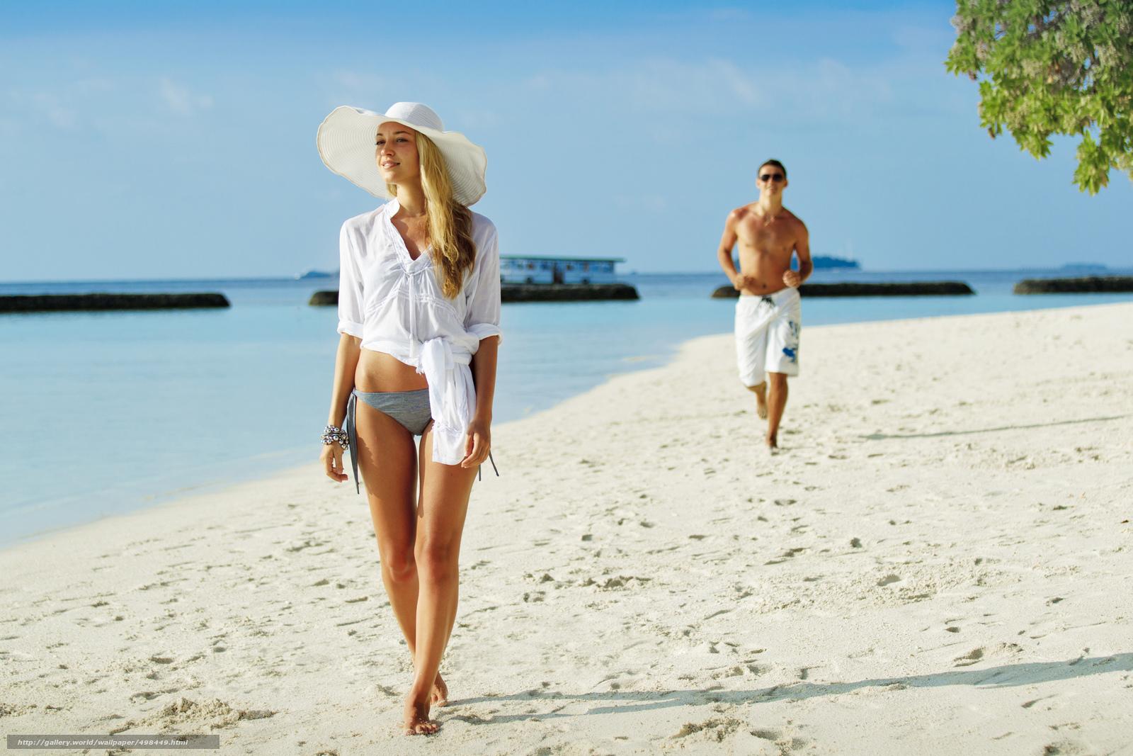 Сухмский пляж с девушками 20 фотография
