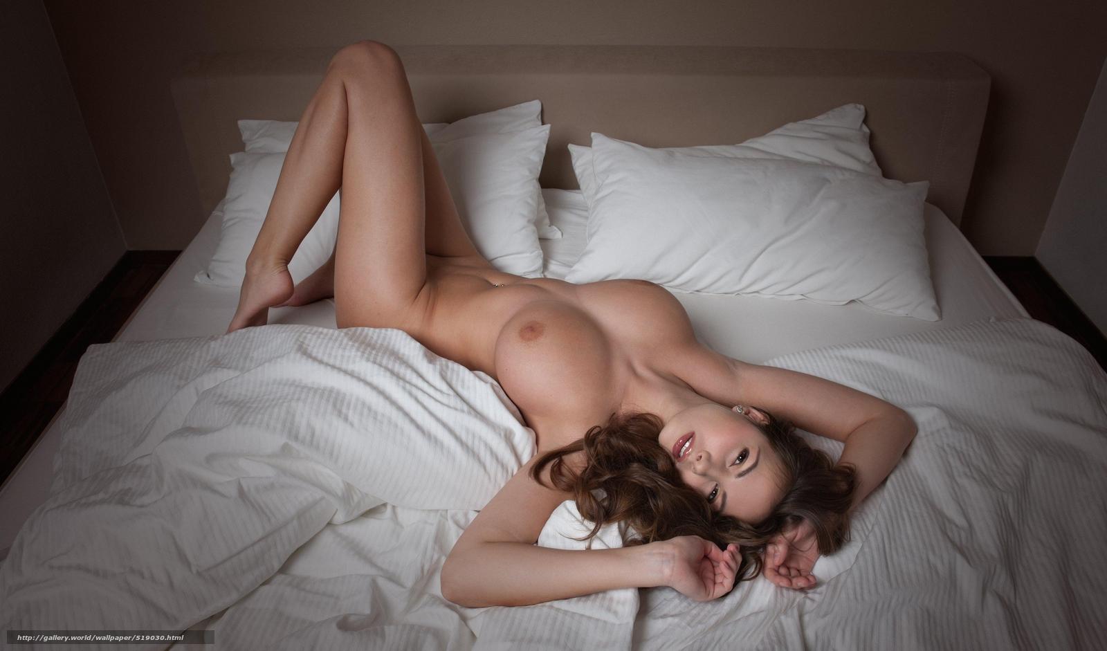 Фото красивых голых женщин на постели 21 фотография