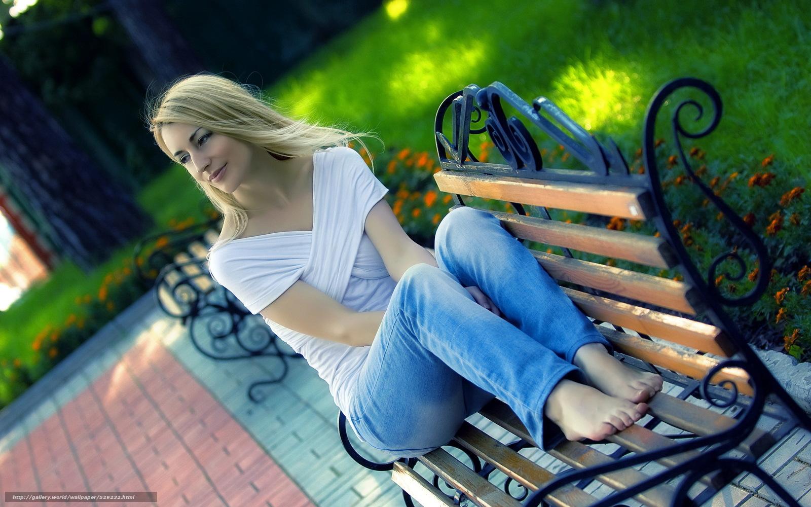 Фото девушек в парке 4 фотография