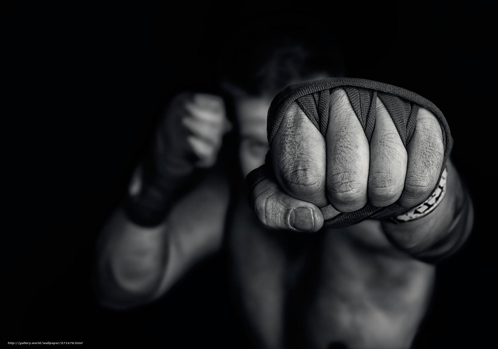 Фото как девушка покажет кулак 20 фотография