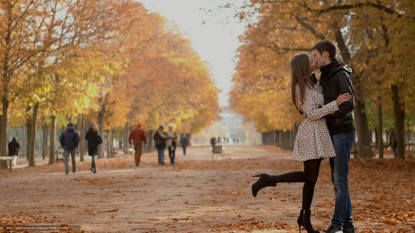 girls, kiss, autumn