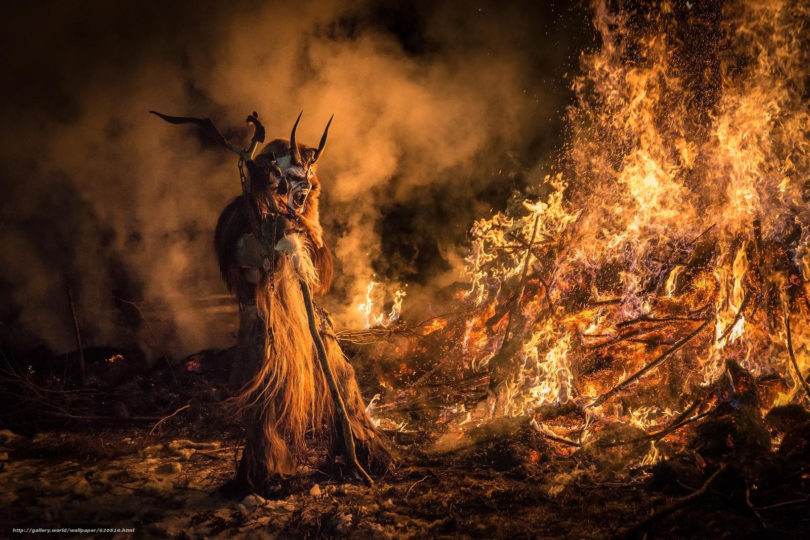 Италия, Праздник Сан Николо и Крампусы, Крампус Тарвизио, Krampus, Tarvisio, демон, кастёр, огонь