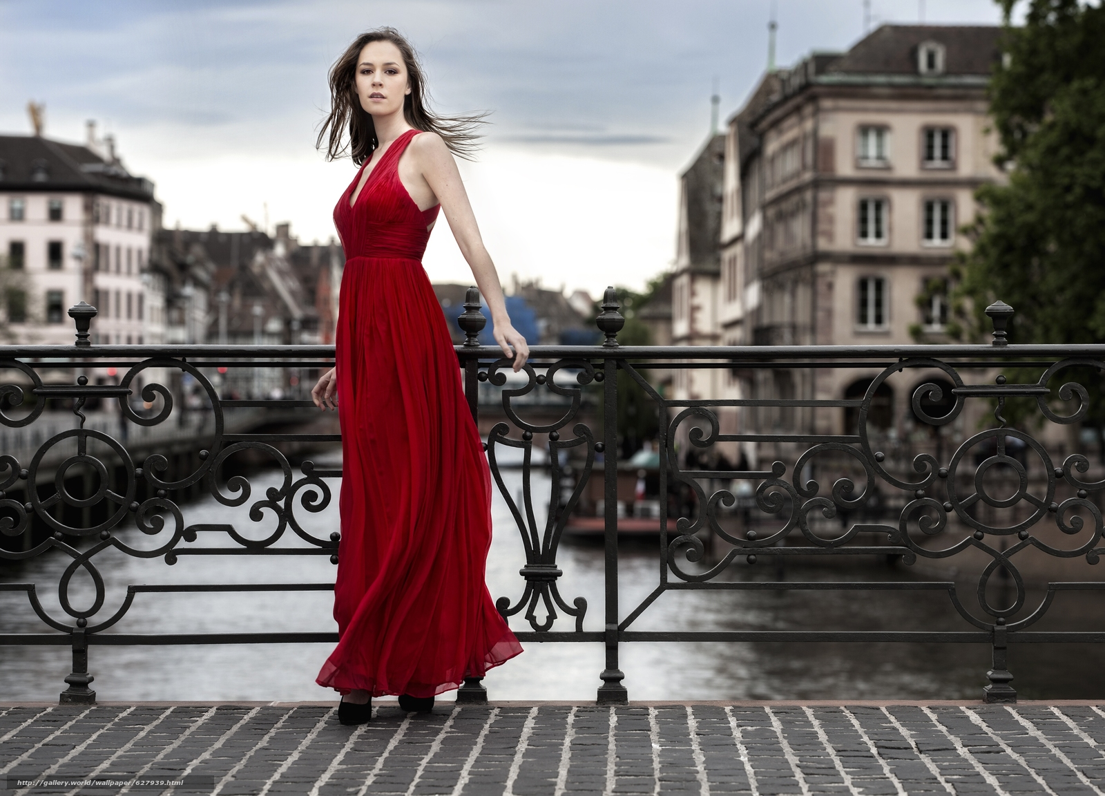 модель, красное платье, платье, стиль, мост