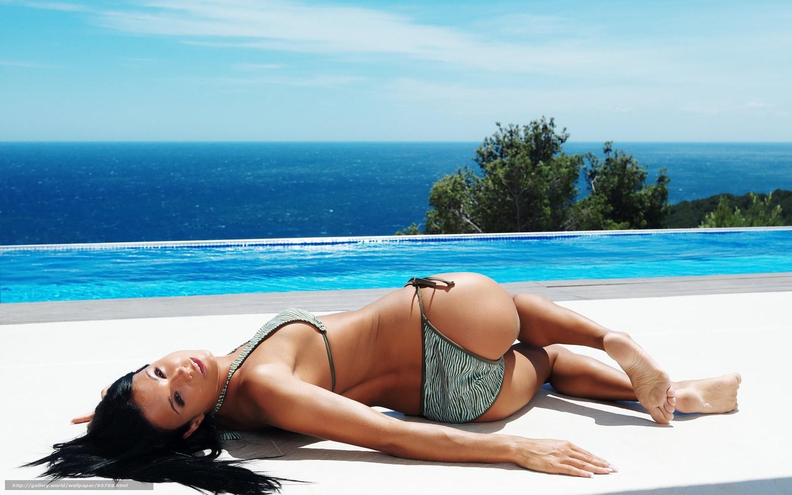 Фото в купальнике на пляже со спины 26 фотография