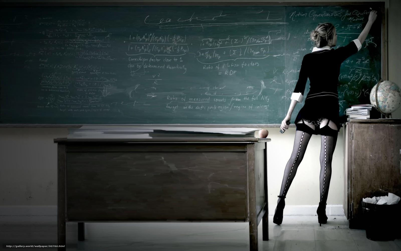 Привязанная верх ногами девушка к доске 12 фотография