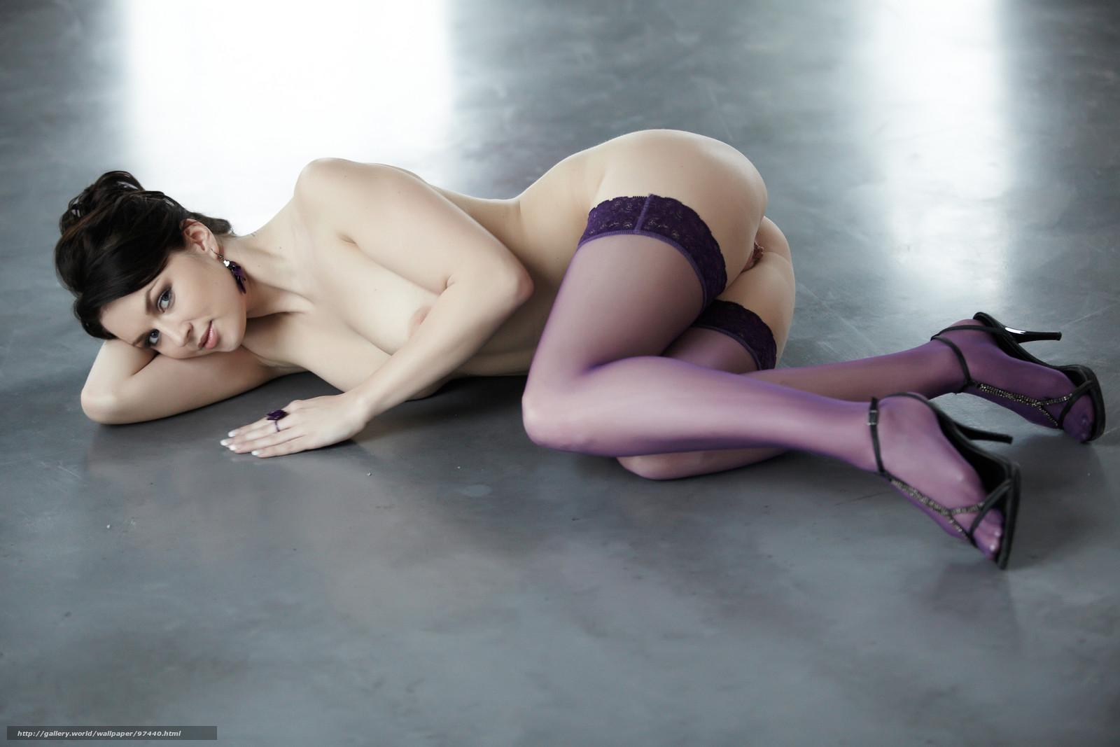 Смотреть как нюхают ноги девушке 14 фотография
